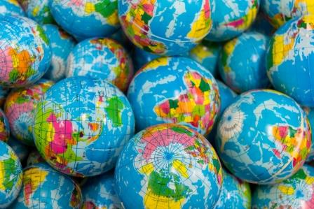 Globetrotting – Investing around the world with Ian Cowie